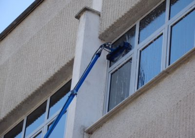 servicii curatare geamuri