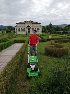 Peisagistica si intretinere spatii verzi 7 House Keeping
